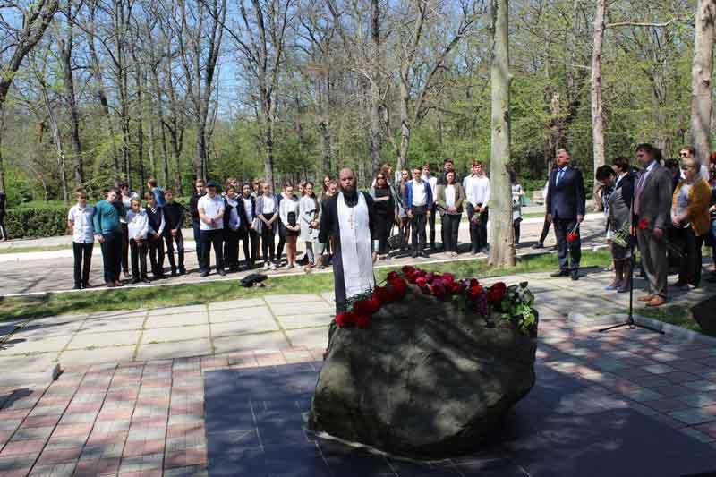 В Саках почтили память жертв аварии на Чернобыльской АЭС