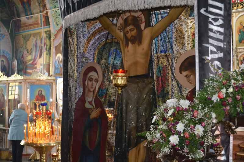 Утреня Великой Пятницы с чтением 12-ти Страстных Евангелий Свято-Ильинский храм г.Саки Крым