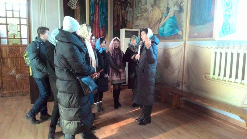 Волонтеры в день православной молодежи посетили Свято-Ильинский храм